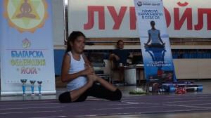 Симона Петрова първо място във възр. гр. 8-12 г, стил  съчетание на асана